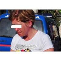 Hollandalı Turiste Ayıp Ettiler