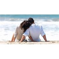"""""""Erkekler Ne İster"""": Kadınlar İçin İlişki Rehberi"""