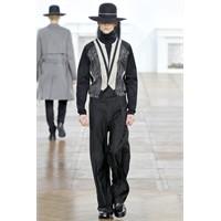 Dior Homme 2011 Sonbahar/ Kış Erkek Koleksiyonu