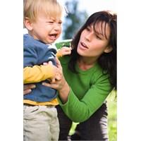 Çocukların Okula Annelerinin Bırakmasını İstemesi