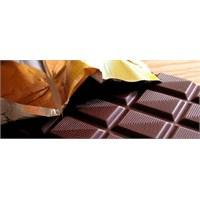 Siyah Çikolatanın Bir Faydası Daha