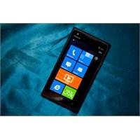 Lumia 900 Nokia'yı Batırdı
