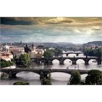 Dünyanın En Turistik Köprülerinden - Prag Charles