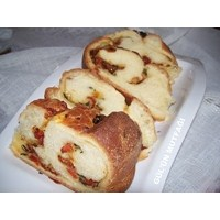 Domatesli, Fesleğenli, Sarımsaklı Ekmek