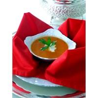 Sarımsaklı Domates Çorbası