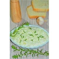 Kekikli Yoğurtlu Kabak Salatası