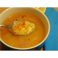 Sıcak Bir Tas Çorba