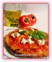 Domates Soslu Pizza Yapımı