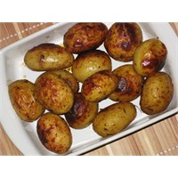 Fırında Çeşnili Patates Tarifi