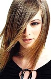 Düz Saçlar Kadını Etkileyici Yapar!