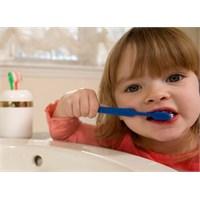 Diş Eti Hastalık Belirtileri