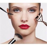 Yüzünüzü Daha İnce Gösteren Makyaj Teknikleri