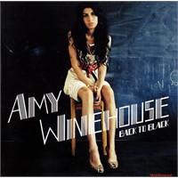 Amy Winehouse'un O Elbisesi Satıldı