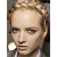 Orta Boy Saçlar İçin Harika Örgülü Saç Modelleri
