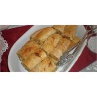 Baklava Hamurunda Patatesli Börek (Özel Tarif)