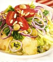 Salata Sanatından-yeşil Zeytinli Salata