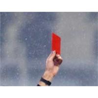 Kırmızı Kart Ama Kime?