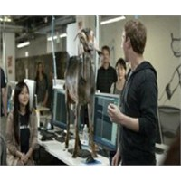Zuckerberg, Facebook Home'u Tanıtamadı! (Video)