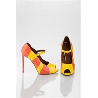 Yaz Sezonunda Da Rugan Ayakkabı Modası Bir Başka