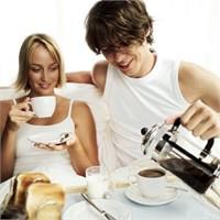 Eşinizi Evde Tutmanın 15 Yolu
