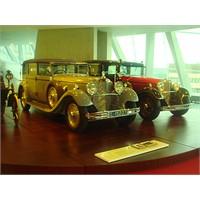 Sanki Zaman Tüneli Bu Mercedes Müzesi!
