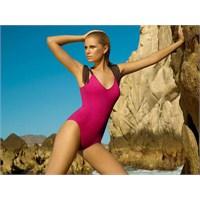 2012 Plaj Modası İçin Mayo Ve Bikiniler