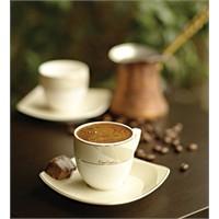 Misafirlerinize Bol Köpüklü Enfes Bir Türk Kahvesi