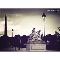 Paris'te Jardins Des Tuileries'deyiz