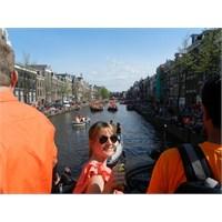 Amsterdam'da Kraliçenin Doğumgünü Kutlamasındayız!