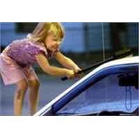 Arabamızın Camlarını Nasıl Temizlemeliyiz?