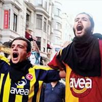 Taraftarların İstanbul United'ı Film Oluyor