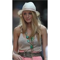 Moda Dunyasindan Bir Gossip Girl Gecti
