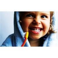 Diş Fırçalama Alışkanlığında Anne Baba Örnek