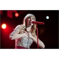 Yılın En Yardımseveri: Taylor Swift