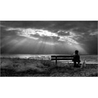 Paylaşılamayan Yalnızlık – Yasemin Güldü