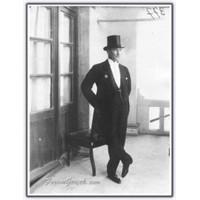 Atatürk'ün Kişilik Özellikleri Ve Eserleri