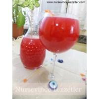 Sıcak Yaz Günlerinin Serin İçeceği Limonata