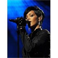 Ah Rihanna Ahhh!!