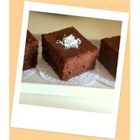 Çikolatalı Pirinç Unlu Kek