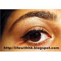 Bir Eyeliner Uygulaması