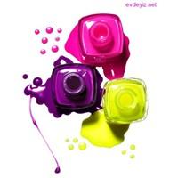 Neon Renklerin Canlandiracaği Bir Sezon