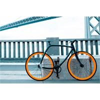 77|011 Metropolitan Bike