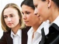 Çalışan Kadınlar İçin Pratik Giyim Yolları
