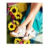 Ayaklarınız Çiçek Açsın