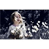Mutlu Bir Çocuk Büyütmek İçin 12 Öneri