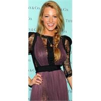 Blake Lively ve dantel elbise