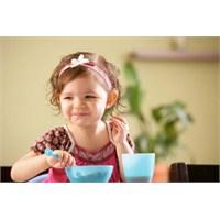 2 Yaşındaki Bir Çocuk Nasıl Beslenir?