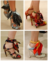 2010 Yazında Eşarplar Artık Ayakkabılara Da Bağlan