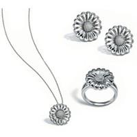 """Yeni moda:""""Gümüş takılar"""""""