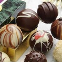 Anne Adayları Bol Bol Çikolata Yiyin!